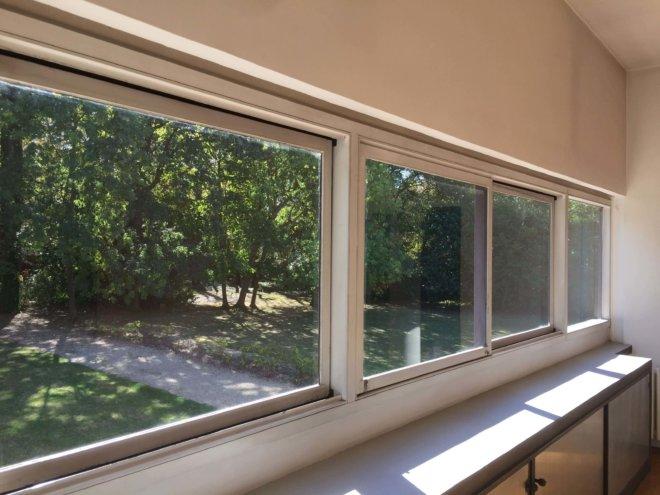 コルビジュエの水平連続窓