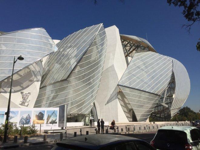 ルイヴィトン財団美術館をパリで見た